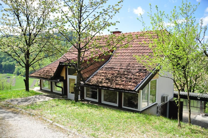Charming country house - Cmereška Gorca - Huis