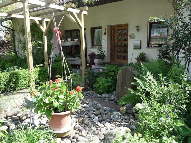 Schöne, ruhige Fewo zwischen Donautal und Bodensee - Krauchenwies - Appartement