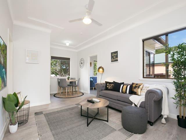 Stylish Entire home - pet friendly - Seven Hills