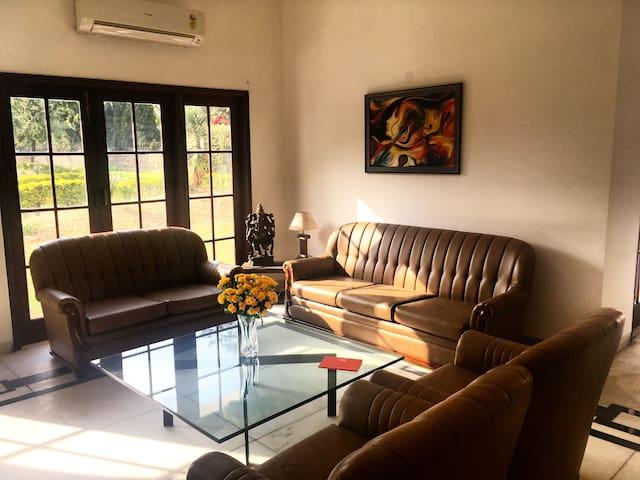 House of Joy-A Luxury Escape near Delhi & Gurgaon - Gurgaon - Villa