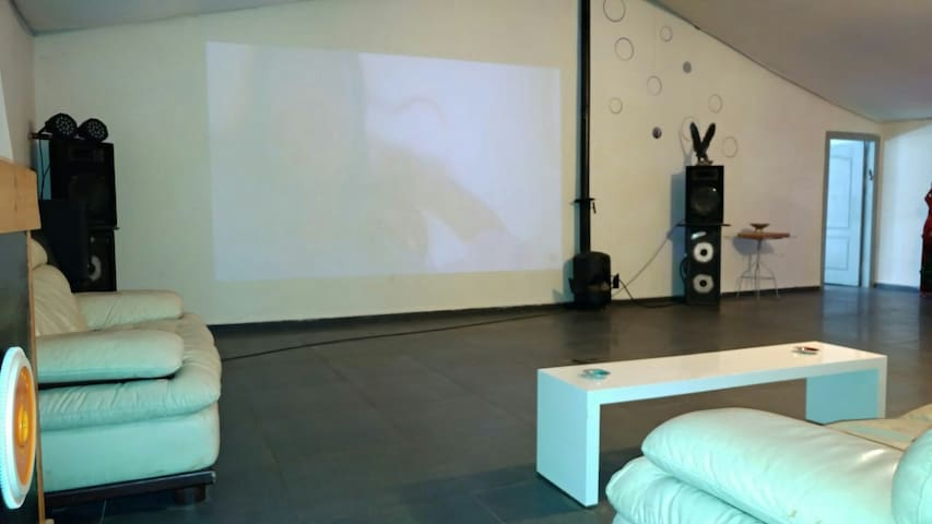"""Huge 160 s""""m party/vacation house!! - bar giora"""