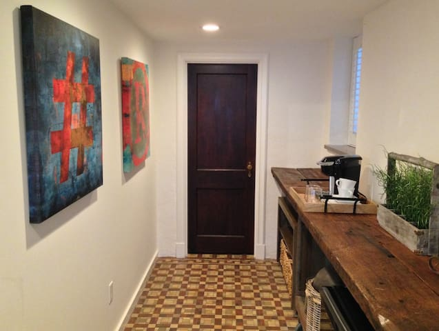 1Bed/1Bath Suite in Tower Grove South - St. Louis - Huis