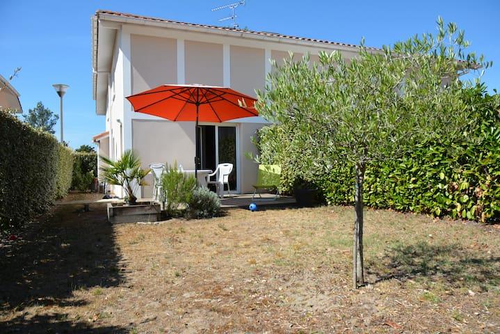 villa proche lac et océan - Vielle-Saint-Girons - Huis