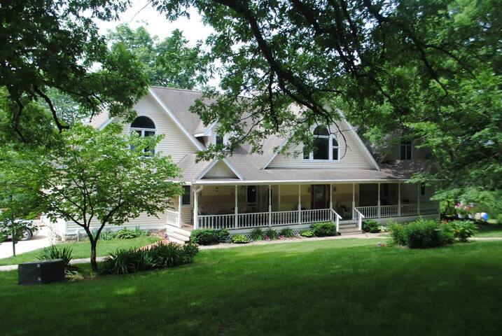 The Inn at Summerset Winery - Indianola - Huis