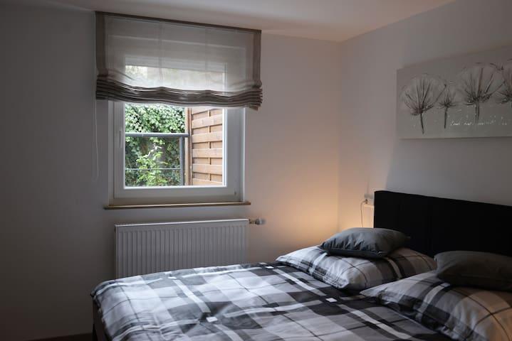 Neu renovierte 2,5 Zimmer EG Wohnung zentral - Oedheim