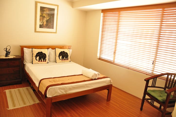 Entire Unit/Apt 2 guests- with Separate entrance - Willetton - Inap sarapan