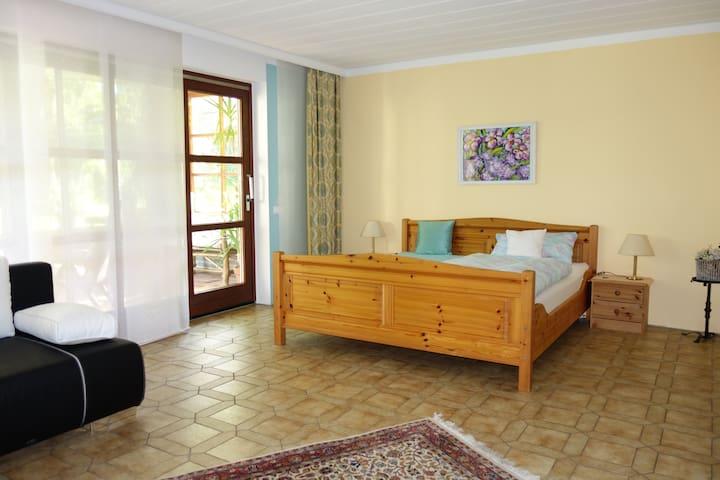 Rooms@No 22 -DBLE +kitchen/Bavaria - Stephanskirchen - Hus