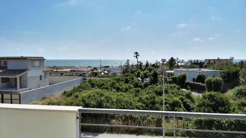 "Big apartment ""Le Terrazze"" near beach and airport - Focene"
