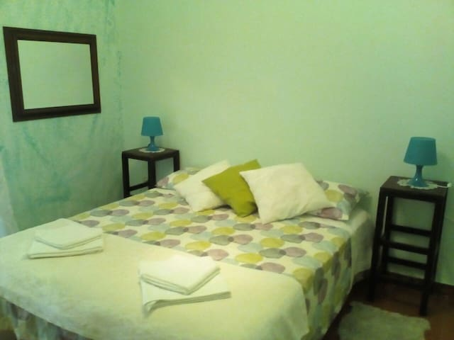 Double bed and single bed - Nicolosi - Villa