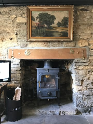 Grade ll Listed Cosy Cotswold Cottage - Naunton