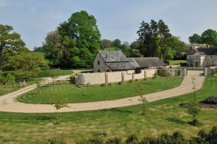 The Granary, Chalmington Farm - Chalmington