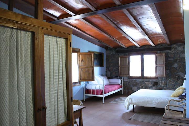 Habitacion Niña Montero, en plena naturaleza - El Hoyo de Pinares - Bed & Breakfast