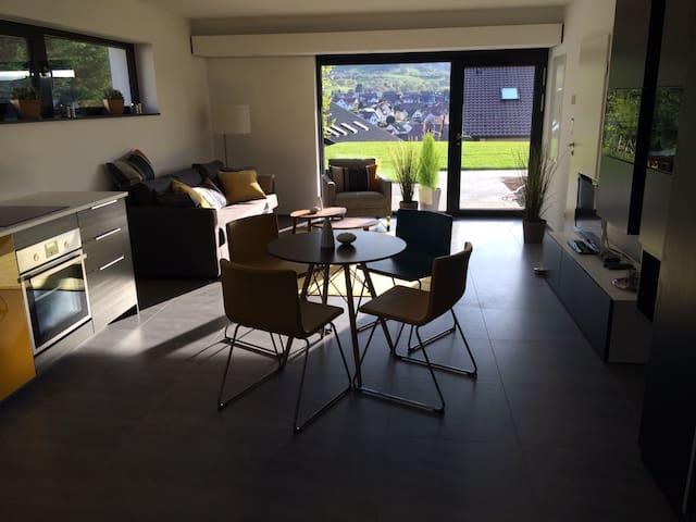 stylisches Studio (45m²) in ruhiger Toplage - Neuffen - Appartement