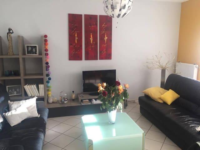 Maison spacieuse et calme proche de Rodez - Onet-le-Château - Casa
