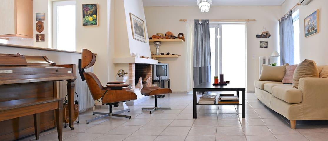 Great 2 bedrooms apt for6 in Marousi near Kifisias - Marousi