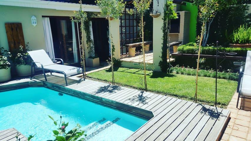 Exclusive Modern Luxury,Garden&Pool - Johannesburg