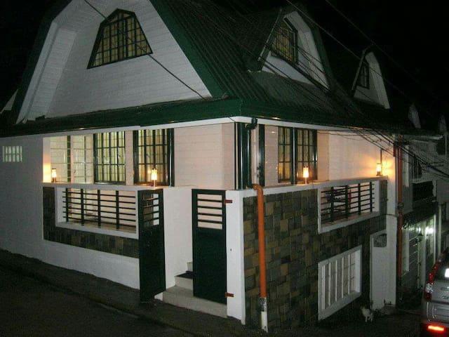 Eve's Baguio Transient House - Baguio  - Hus