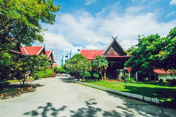 清迈古城柚木别院 花园泳池度假(standard private) - Chiang Mai - Huoneisto