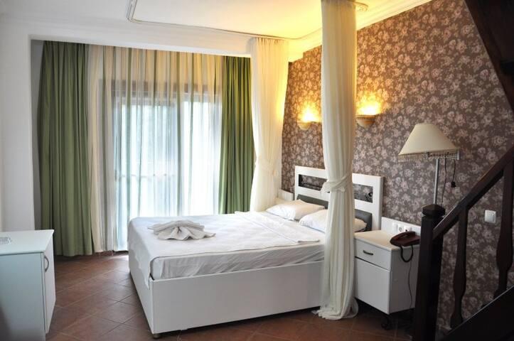 Ölüdeniz Sea Front Family Room  Seyir Beach Hotel - Fethiye - Overig