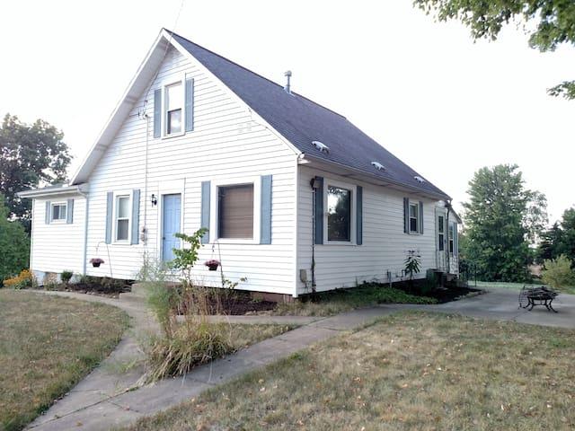 A Dawdi Haus in Amish Country Ohio! - Apple Creek - Hus