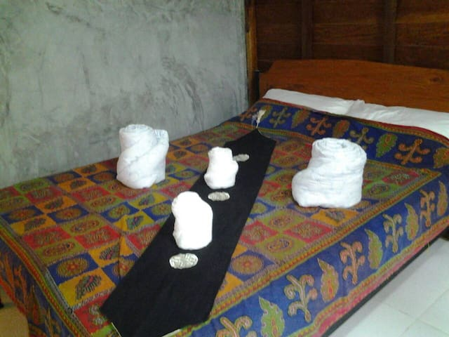 Ramrome Ranch Farm Stay & Camping - Ron Phibun - Oda + Kahvaltı