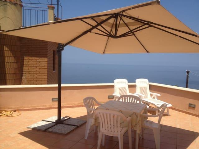 Terrace with sea view near Cefalù - Finale - 公寓