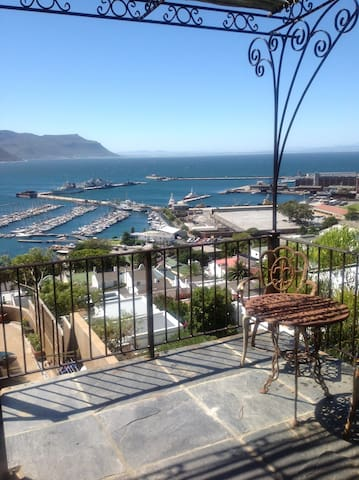 Spacious studio apartment with stunning views - Kaapstad - Appartement