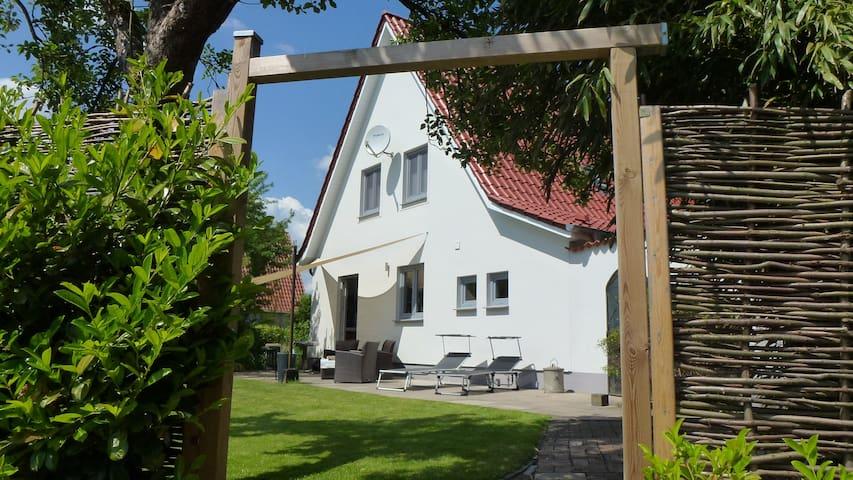 Puristisches und modernes Siedlerhaus im Grünen! - Beverstedt - Hus