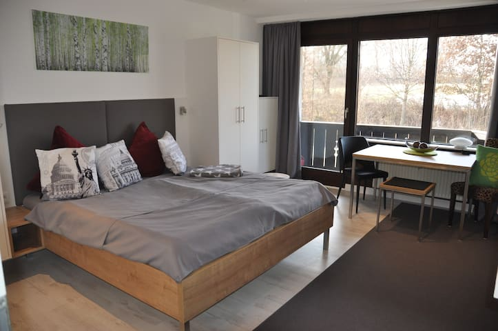 Attraktives Appartement in Kliniknähe Bad Aibling - Bad Aibling - Flat