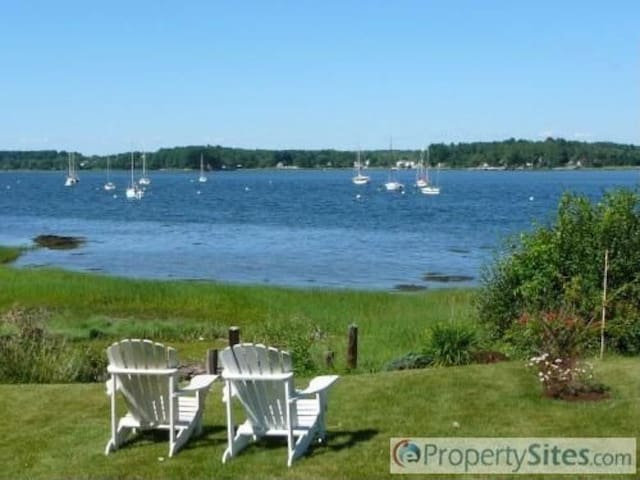 Relax on the Seacoast Waterfront - Dover - Hus
