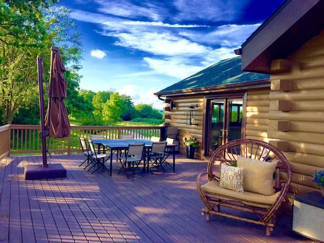 The Retreat: 5 Acre Log Cabin - Elkhorn - 一軒家