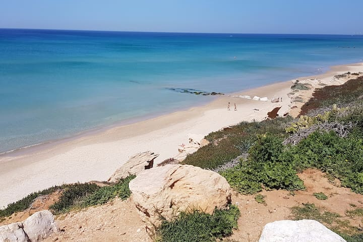 1 min from the beach - Beit Yanai - Huis