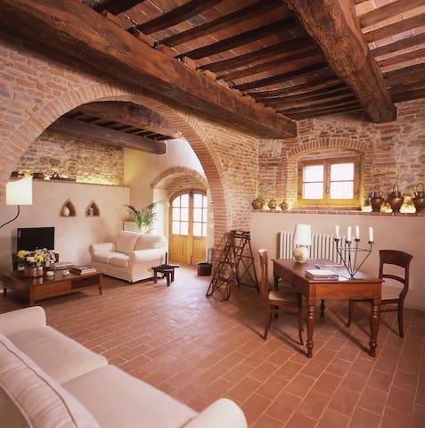 La casa di Ferni - Monteleone d'Orvieto