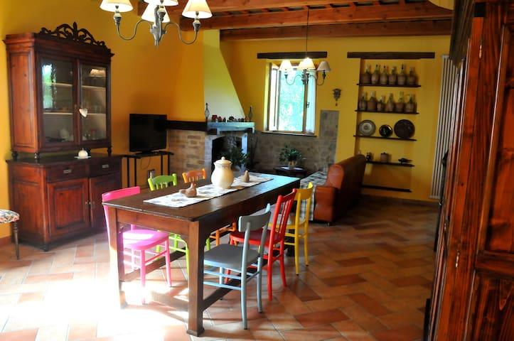 Guesthouse Casale Borgo Miriam - Borgo Miriam, Offida - Hus