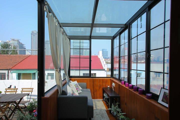 A cozy studio with a sun room - 上海 - Lägenhet