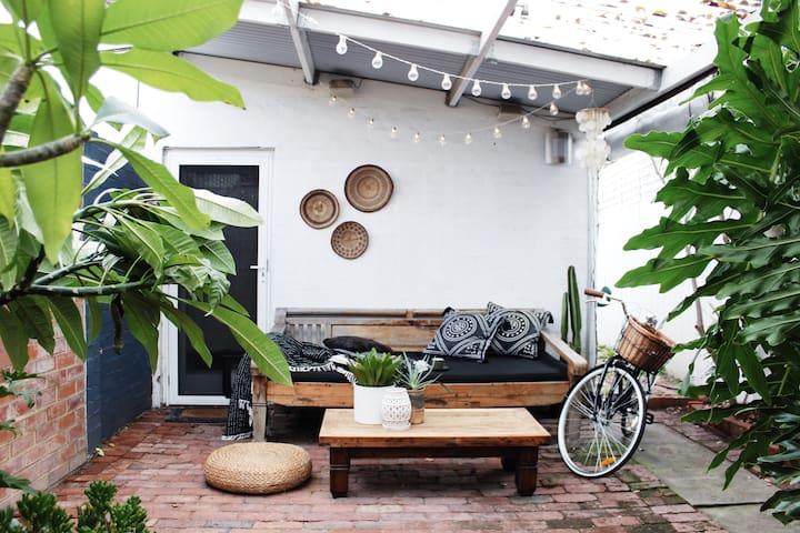 Little Terrace - Unique Urban Oasis Home - West Perth - Rumah