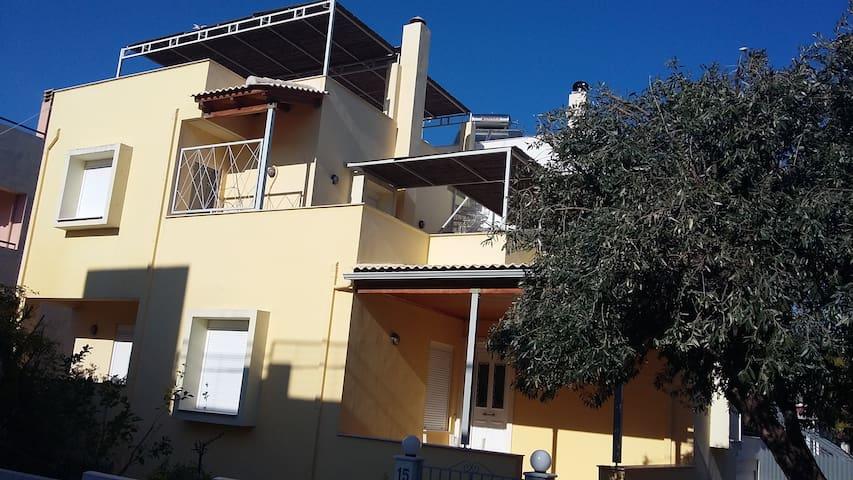 Μεζονετα στον Καστελλοκαμπο - Patras - Casa