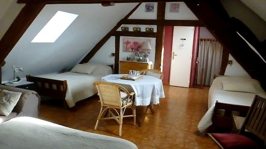 """BandB """"La Maison de Printemps"""" in Normandie - Bazoches-sur-Hoëne - Pension"""