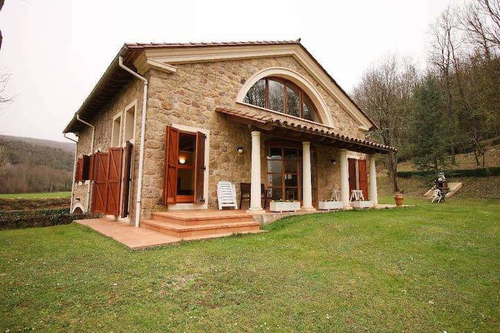 L'Esquirol - Province of Girona - Huis