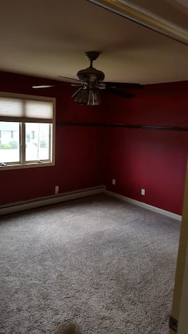 Clean, Spacious, bright and affordable 2nd Fl - Deer Park - Casa