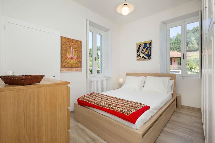 NICE ROOM INSIDE  MANSION (WHITE ROOM) - nebbiuno - Villa
