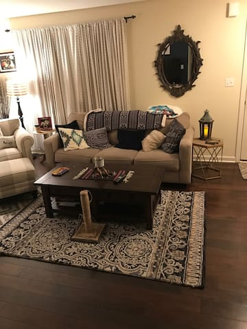 Cozy town home close to Pittsburgh - Canonsburg - Таунхаус