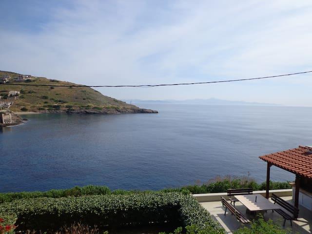Beautiful house above the sea - Porto Ennia