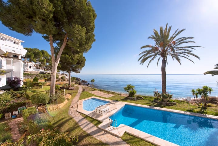 Bright holiday appartment with pool by the sea - Altea - Byt