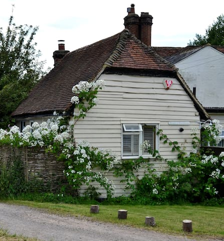 Dagley Cottage and Stable - Shalford - Shalford - Autre