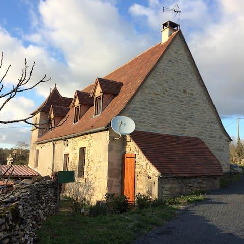 Maison quercynoise typique - Sénaillac-Lauzès - Rumah