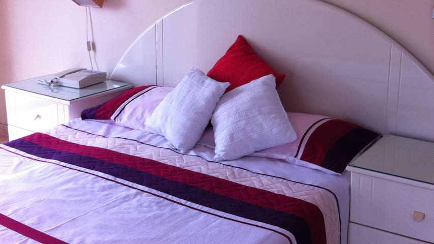 Luxury double ensuite bedroom - Ħal Għargħur