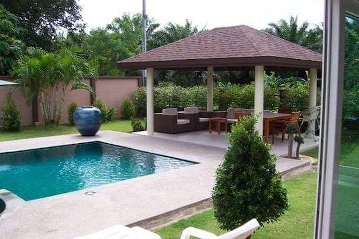 Single room in a villa with pool - Choeng Thale - Casa
