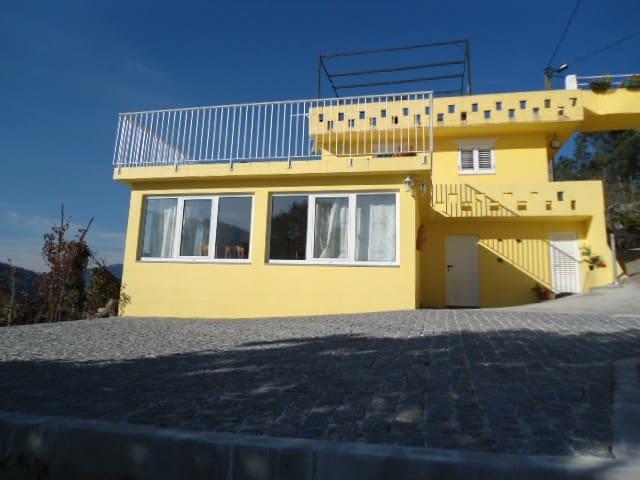 Casa Amarela na região do Douro - Sande - Casa
