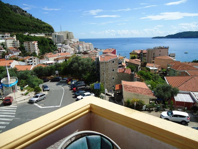 Studio Apartment with terrace and sea view - IVANA - Будва - Квартира